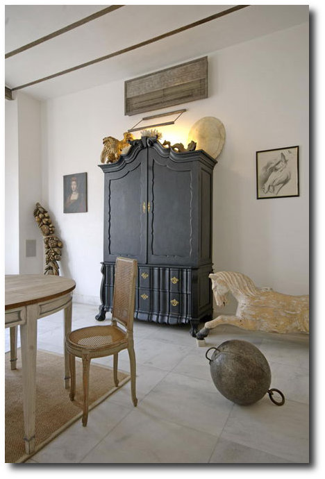 Asli Tuncas House in İstanbul 6 White and Cream French Furniture