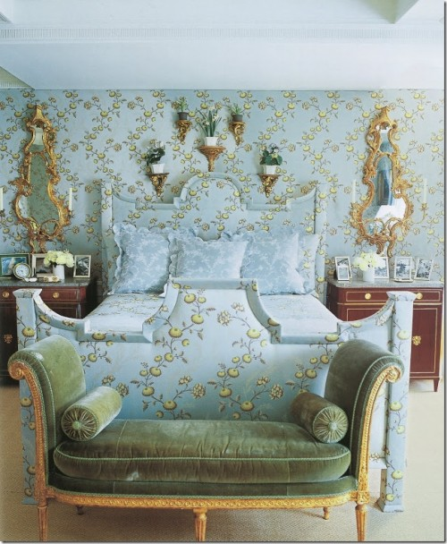 Carolyne Roehm 500x608 Decorating With Pastels For A French Styled Home