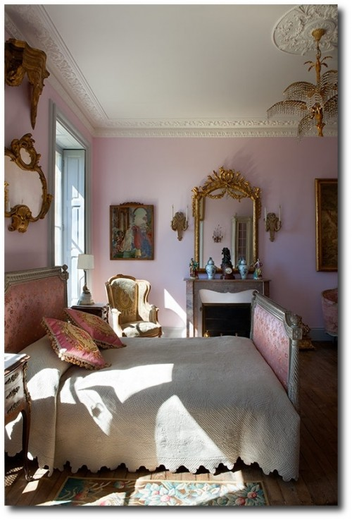 paul raeside interiors photographer les trois garçons france 500x737 Decorating With Pastels For A French Styled Home