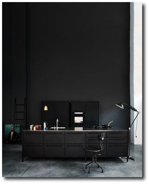 Distressed Black Paint Finishes3 How To Paint Black Furniture A Dozen Examples Of Exceptional Black Painted Furniture