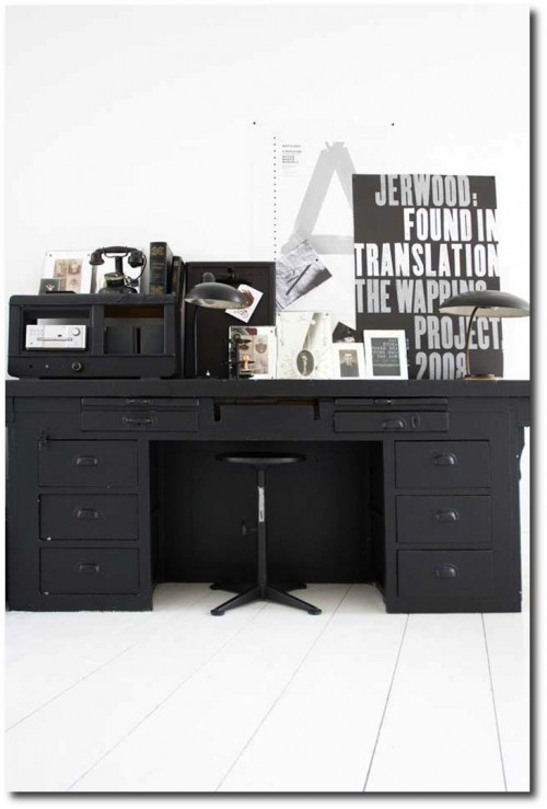 Distressed Black Paint Finishes6 500x739 How To Paint Black Furniture A Dozen Examples Of Exceptional Black Painted Furniture
