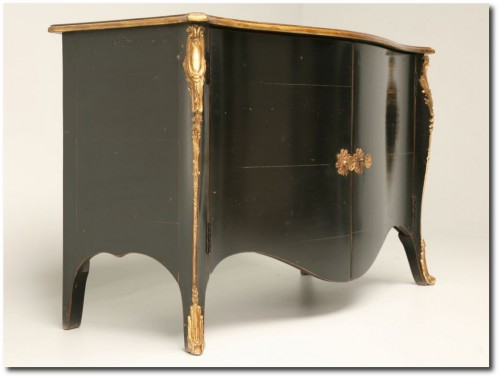 French Handmade Black Lacquered Buffet 500x378 How To Paint Black Furniture A Dozen Examples Of Exceptional Black Painted Furniture
