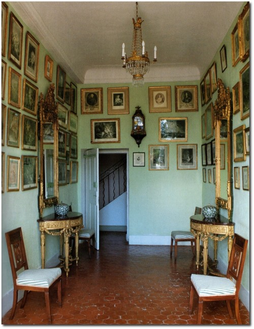 Passageway at Chateau dAnsouis 500x646 A Little Bit Of Provence In Your Home