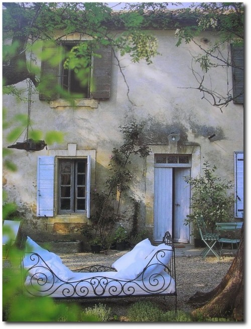 Provence Interiors Linda Lovatt Smith 500x655 A Little Bit Of Provence In Your Home