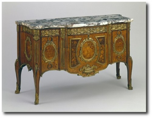 Commode c. 1770 500x387 Extravagant French Marquetry Tables