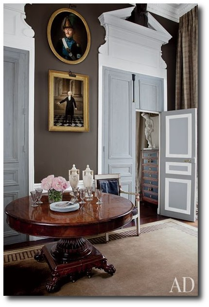 item6.rendition.slideshowWideVertical.jean louis deniot 07 library Decorator Jean Louis Deniot  French Interiors, French Furniture, Paint Finishes, French Paneling, French Chairs