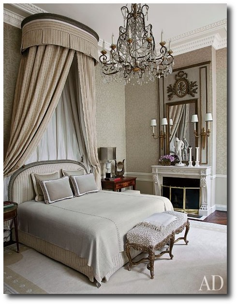 item7.rendition.slideshowWideVertical.jean louis deniot 08 master suite Borrow The Best Ideas For Your Home From French Decorator Jean Louis Deniot