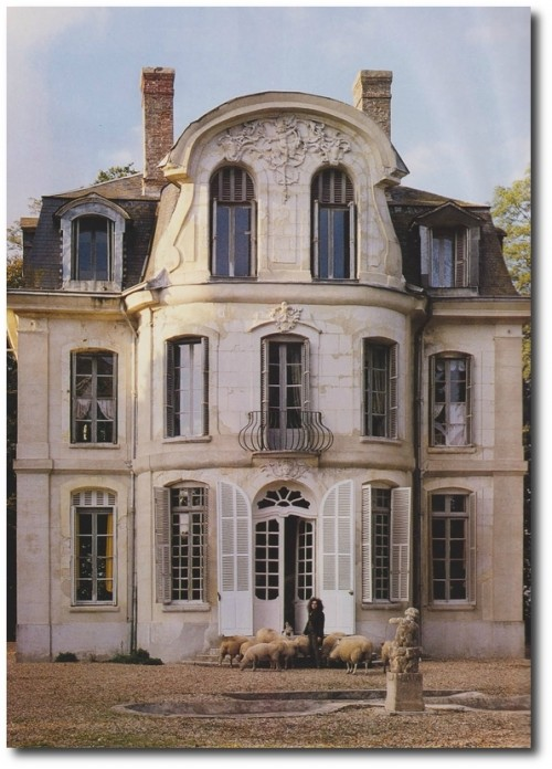 Ted Lillian Williamss restored French Folly Château de Morsan Normandy Seen on Alain Truong Blog 17 500x696 French Style Wall Stencils