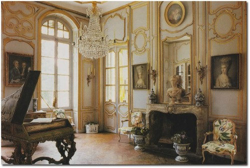 Ted Lillian Williamss restored French Folly Château de Morsan Normandy Seen on Alain Truong Blog 500x336 French Style Wall Stencils