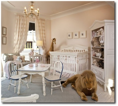 French baby room with giant stuffed lion 500x448 French Style Childrens Furniture